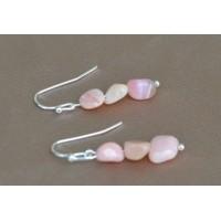 Opal roza srebrni uhančki.